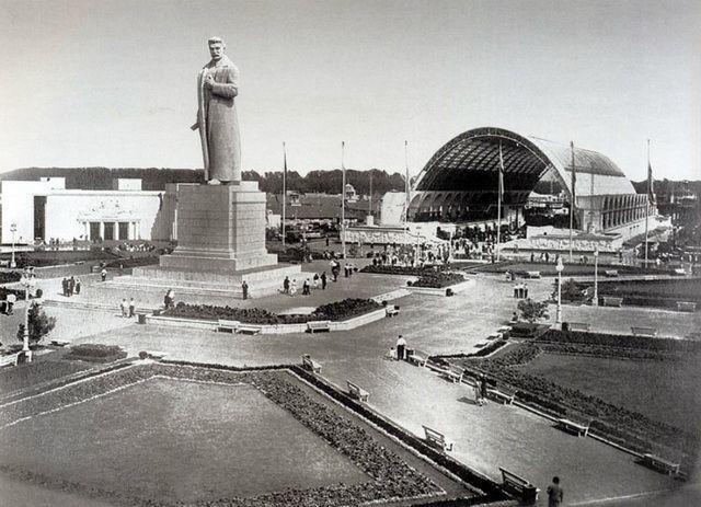 Памятник Сталину на ВДНХ