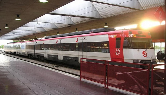 Как добраться их аэропорта Барселоны на поезде